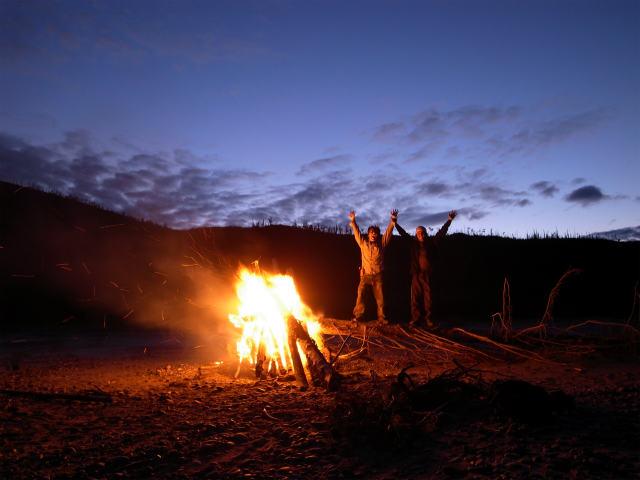 ユーコン川でオーロラとキャンプ (5)