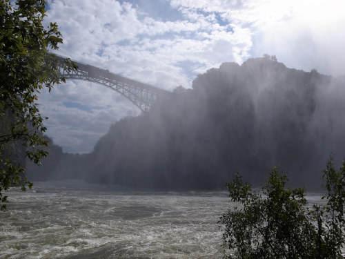 s-世界三大瀑布の1つビクトリアフォールズ(滝) (12)