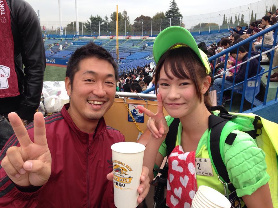 美人ビール売り子 (4)