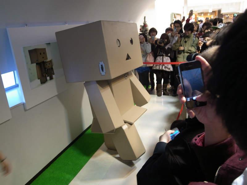 名古屋パルコで等身大着ぐるみダンボーを撮影[よつばとダンボー展2013] (3)