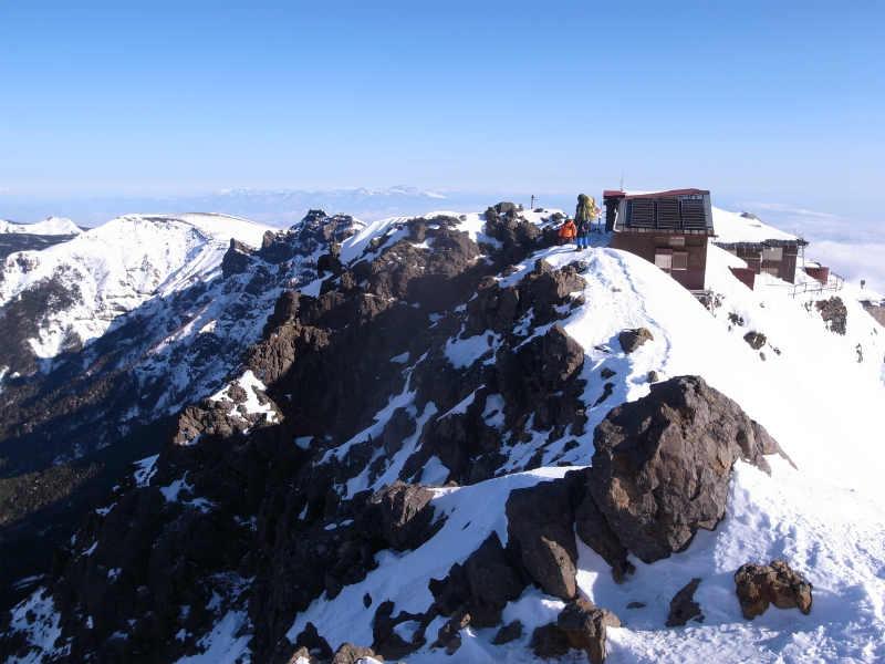 厳冬期2月の冬山に初挑戦!八ヶ岳の頂点、赤岳を雪山登山(赤岳鉱泉テント泊ルート、コースタイム有) (29)