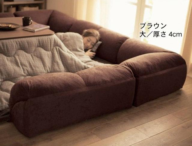 こたつをぐるりと囲むクッションソファー:ベルメゾンネットのダブルコーナークッションセットに心ひかれてやばい (2)