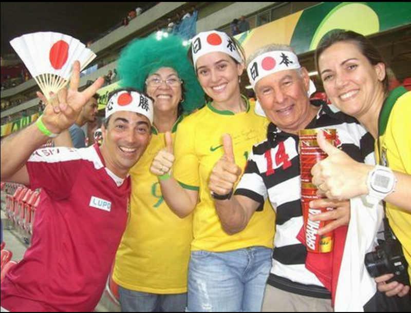 ブラジルW杯日本戦のスタジアムを日の丸はちまきで埋める企画が面白すぎる! (3)