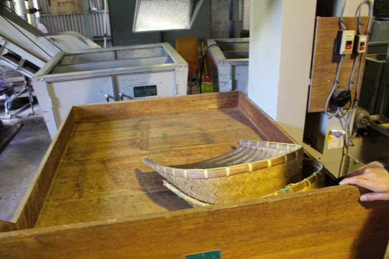 鈴木製茶のお茶工場を見学して、茶葉の作り方を聞いてきたよ!(新城市作手田代) (13)