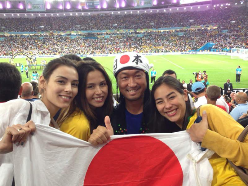 ブラジルW杯現地で出会った美女サポーターの写真画像[美人女子シリーズ] (1)