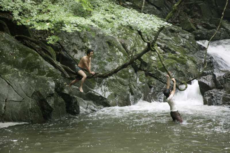 愛知県新城市作手の「保永の三滝」の滝つぼで泳いでみた![動画あり] (8)
