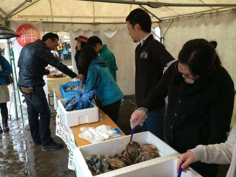 つくで祭り2014に行ってきた!まさか南三陸の生きたホタテが食せるとは!【愛知県新城市】 (2)