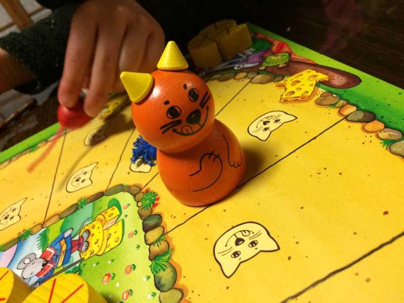 ねことねずみの大レースを子供と遊んで大盛り上がり!4歳から遊べる面白いボードゲームだよ (3)