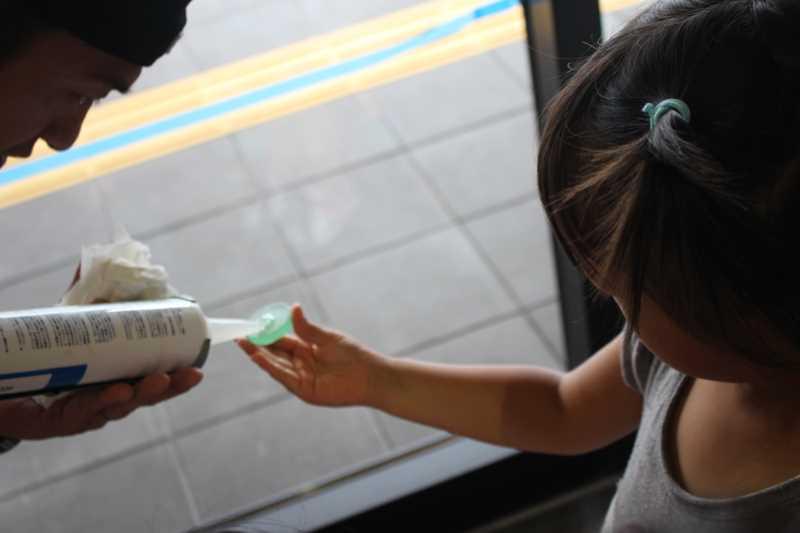 おしゃれなガラス玉を貼るワークショップで子供が大盛り上がり!【つくでまめな会】 (1)