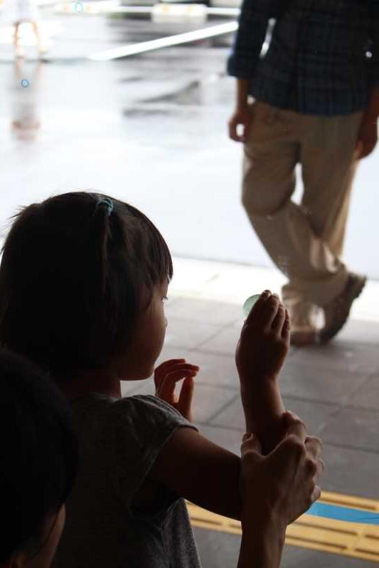 おしゃれなガラス玉を貼るワークショップで子供が大盛り上がり!【つくでまめな会】 (9)