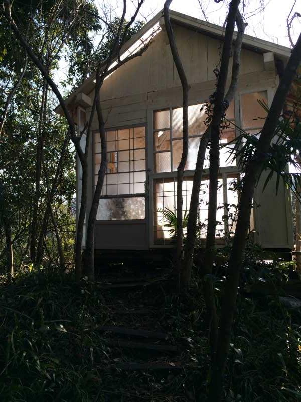 セルフビルドの面白い家が立ち並ぶ理想空間が和歌山にあった!【アースバックハウス・ストローベイルハウスetc】 (30)