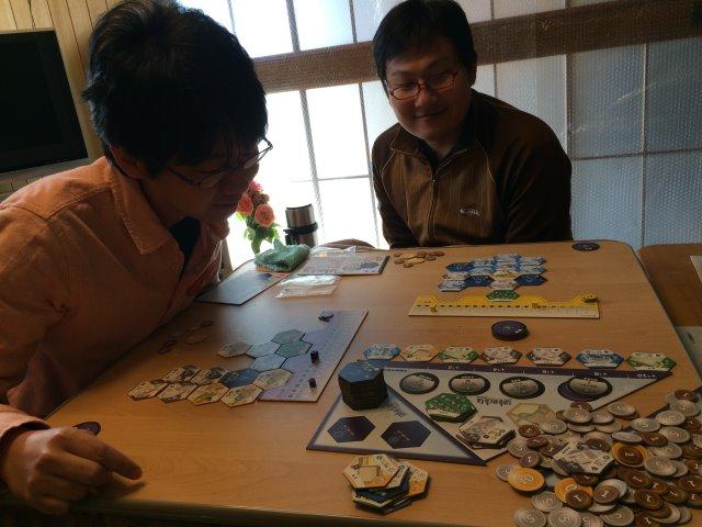 シティビルダーが選択肢が少ない割に戦略性があって面白い!【ボードゲームレビュー】 (4)