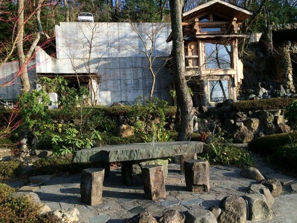 伊豆のスターヒルズのログハウスと作りかけのアースバックハウスがすごすぎた!【静岡】 (18)