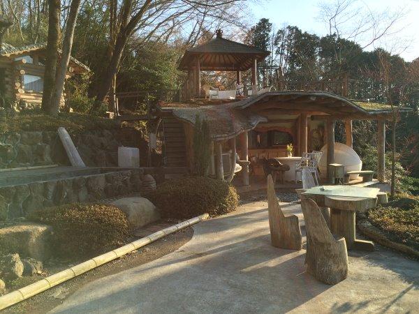 伊豆のスターヒルズのログハウスと作りかけのアースバックハウスがすごすぎた!【静岡】 (17)