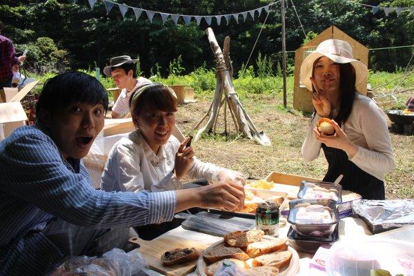 畑に素敵な空間を演出し、採れたて野菜の料理が並ぶファームキャンプパーティーが楽しすぎた! (9)